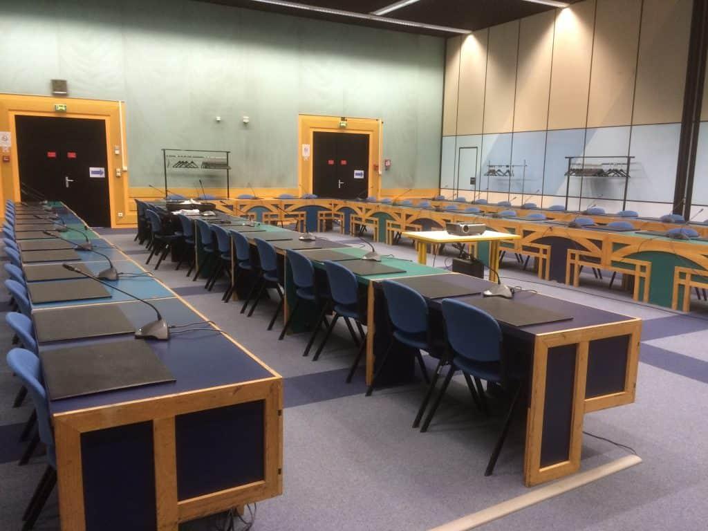 colliers magnetiques et systemes HF salle des Commissions de la CUD a Dunkerque